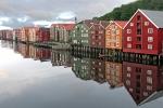 107 Les docks de Trondheim BEAUMONT Michel.jpg