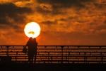 079 Coucher de soleil - LI Fan.jpg